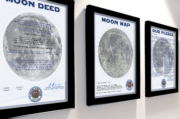 land on the moon framed unique gift